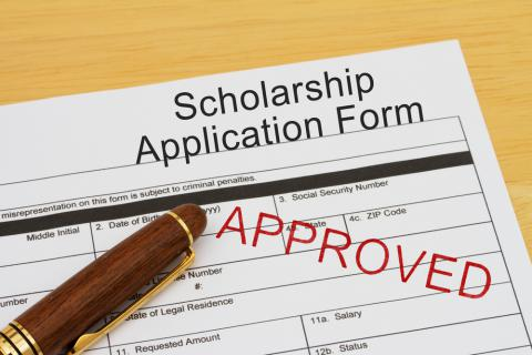 Guide to Researching Scholarships for Moms